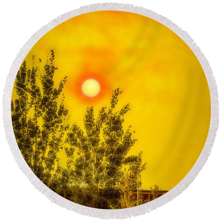 Wildfire Round Beach Towel featuring the photograph Skies Of Smoke And Fire by Albert Seger