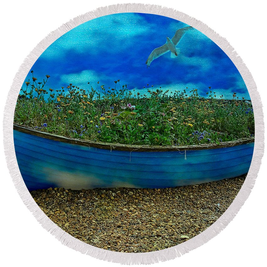 Sky Round Beach Towel featuring the photograph Skyboat by Chris Lord