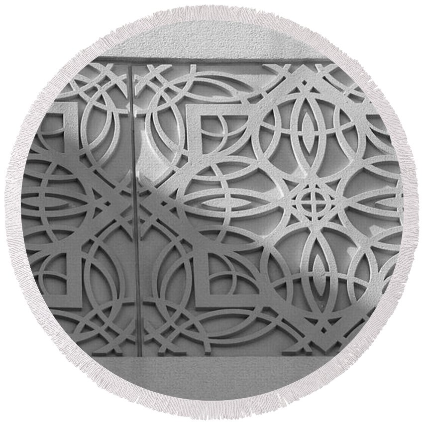 Black And White Round Beach Towel featuring the photograph Sliced by Rob Hans