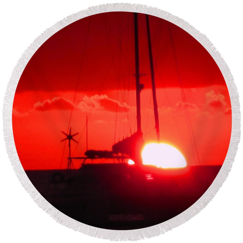 Sunset Round Beach Towel featuring the photograph Slipping Over The Edge by Ian MacDonald