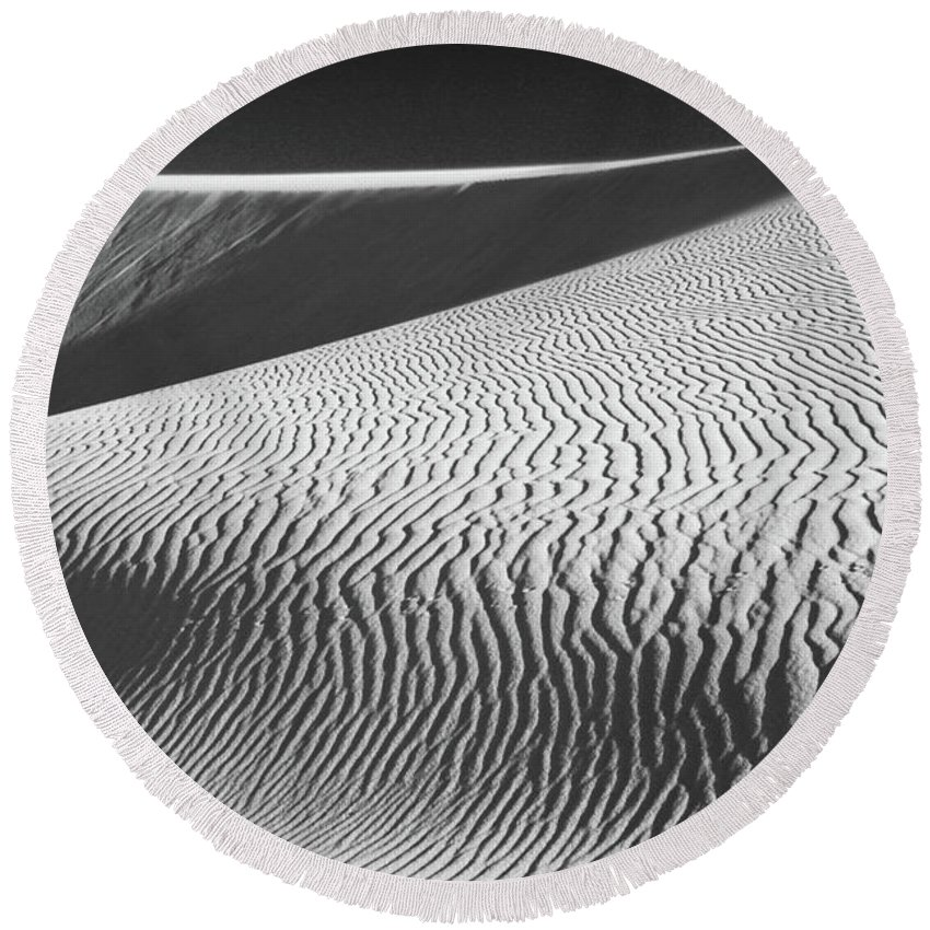 Sand Dunes Round Beach Towel featuring the photograph Slipping Through My Fingers by Laurie Search