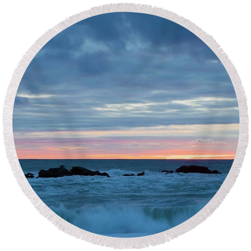 Sliver Round Beach Towel featuring the photograph Sliver Of Pink At Moonstone Beach by Sharon Foelz