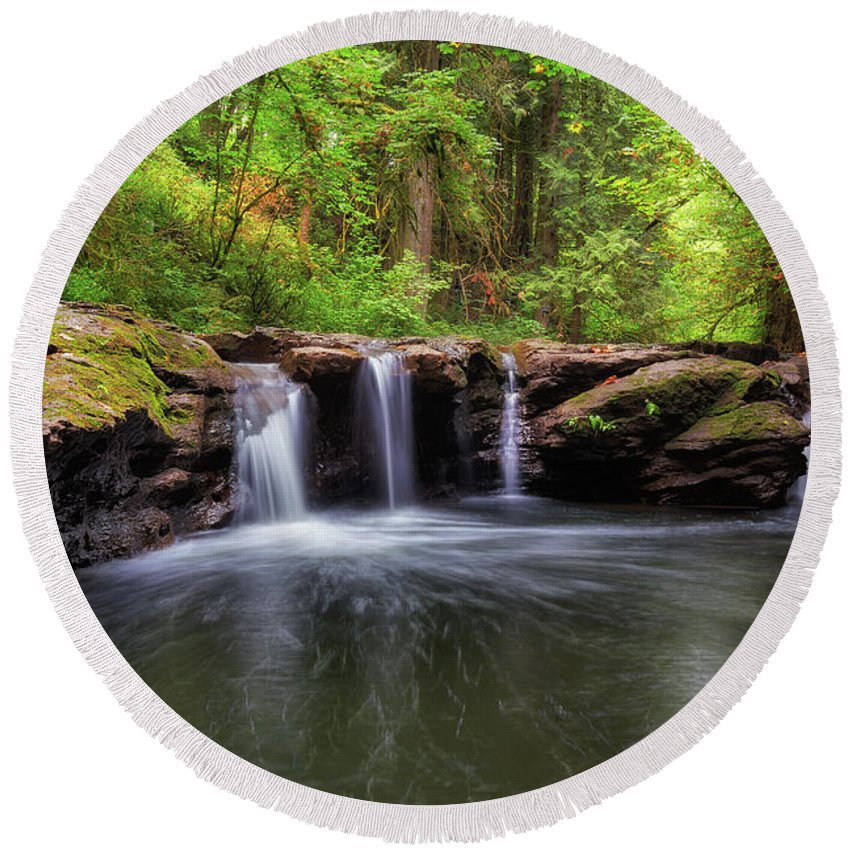 Hidden Falls Round Beach Towel featuring the photograph Small Waterfall At Rock Creek by David Gn
