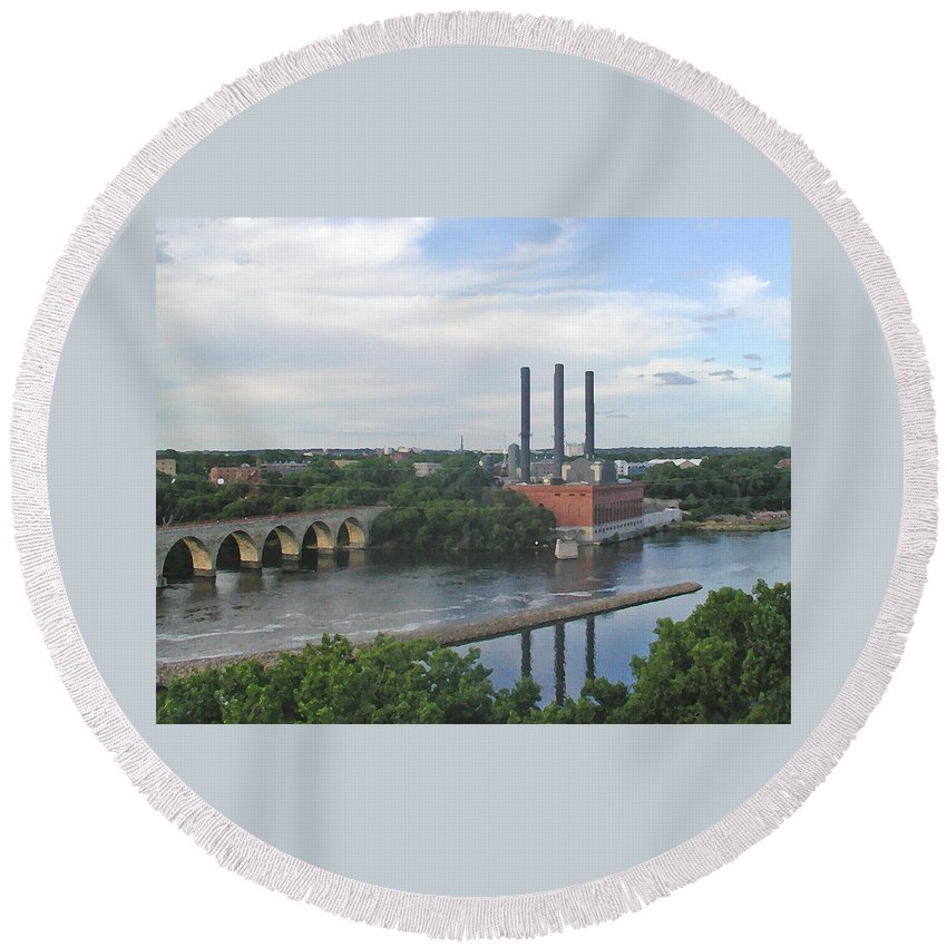 Minneapolis Round Beach Towel featuring the photograph Smokestacks On The Mississippi by Tom Reynen