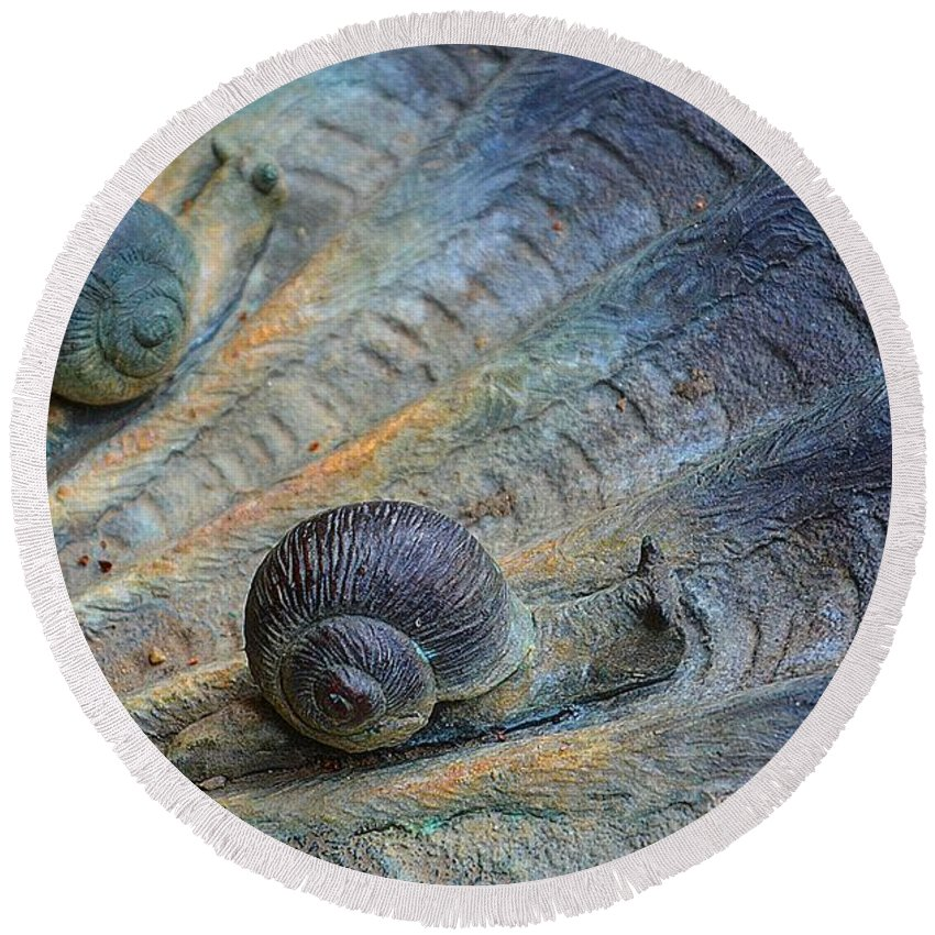 Sculpture Round Beach Towel featuring the photograph Snail's Pace by Cindy Manero