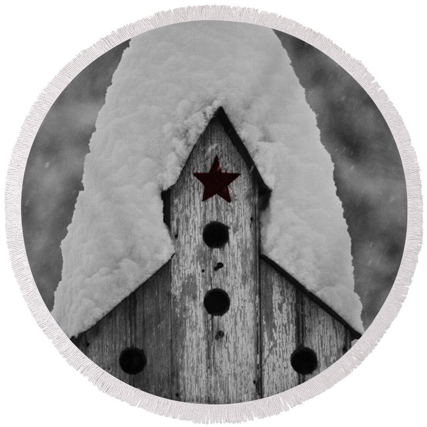 Snow Round Beach Towel featuring the photograph Snow Covered Birdhouse by Teresa Mucha