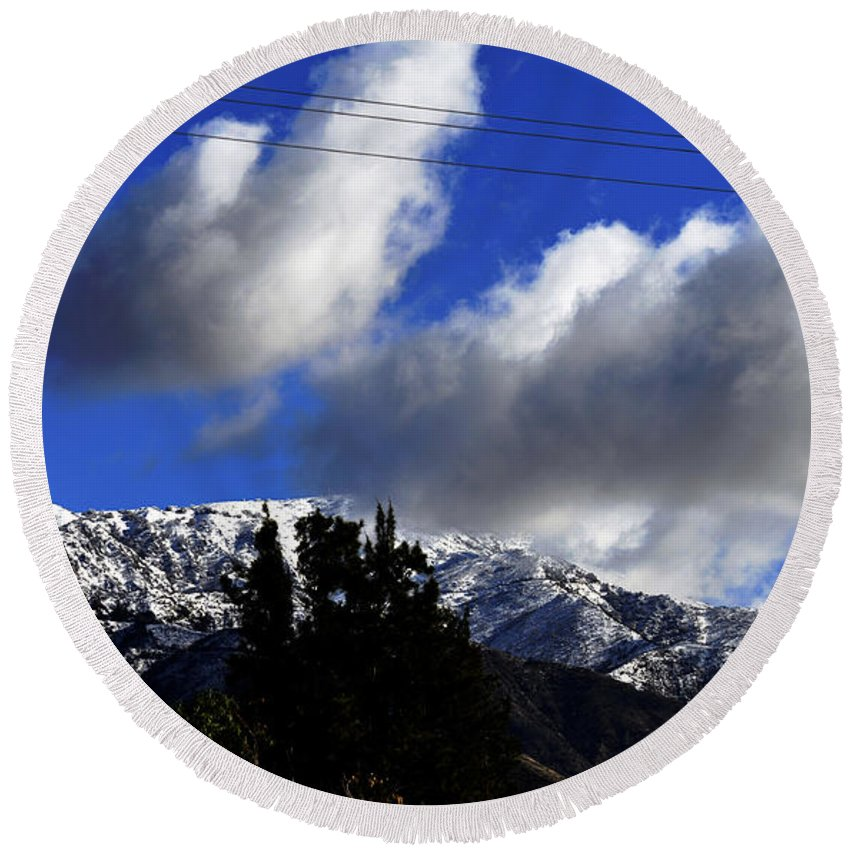 Clay Round Beach Towel featuring the photograph Snow Line In Socal by Clayton Bruster