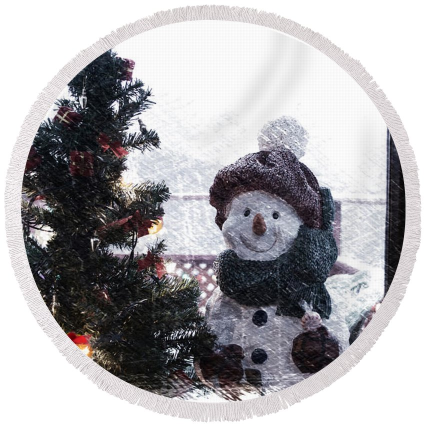 Winter Round Beach Towel featuring the photograph Snowman And Tree Pa by Thomas Woolworth