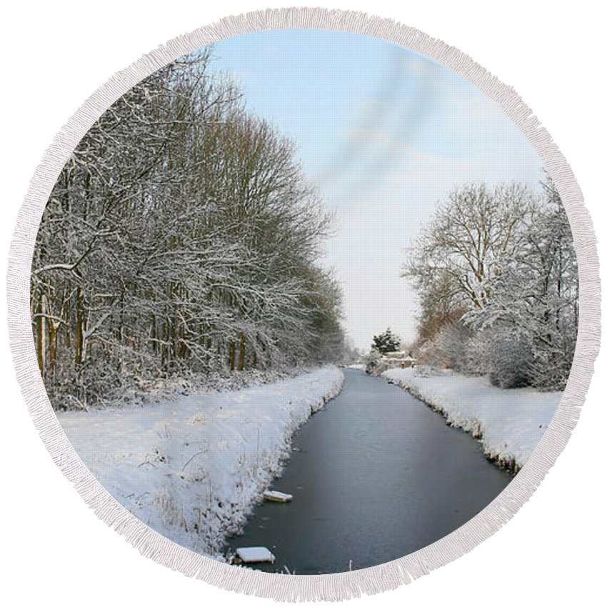 Panorama Round Beach Towel featuring the photograph Frozen Scenery Along Canal by Erin Larcher