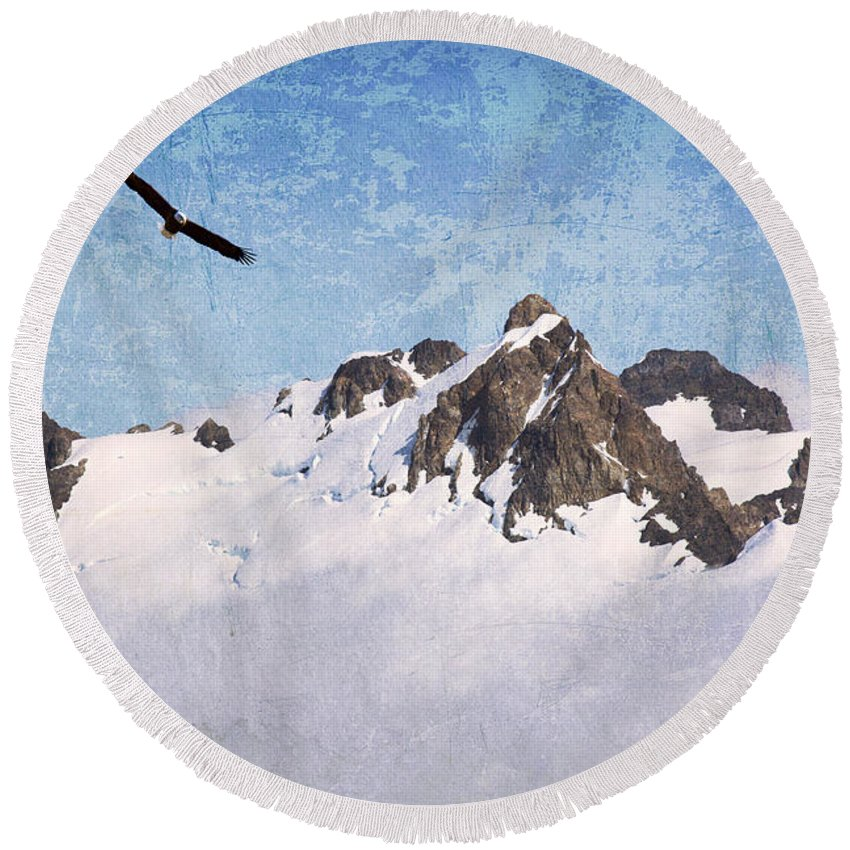 Eagle Round Beach Towel featuring the photograph Soaring The Peaks by Guy Crittenden