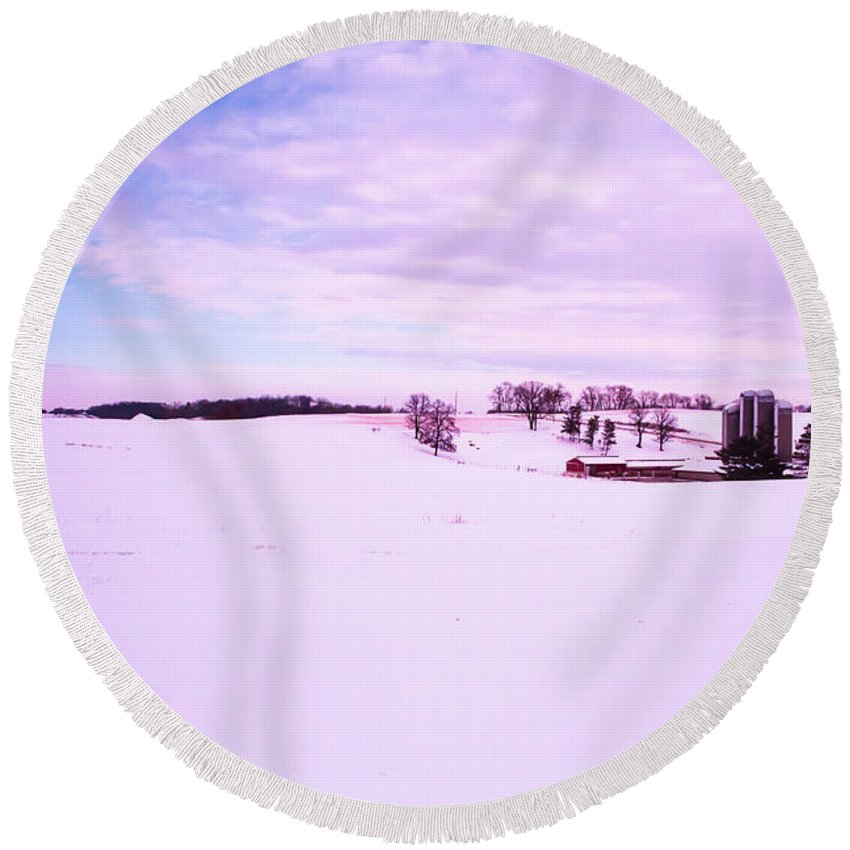 Wisconsin Round Beach Towel featuring the photograph Sound Of Silence by Scott Perkins