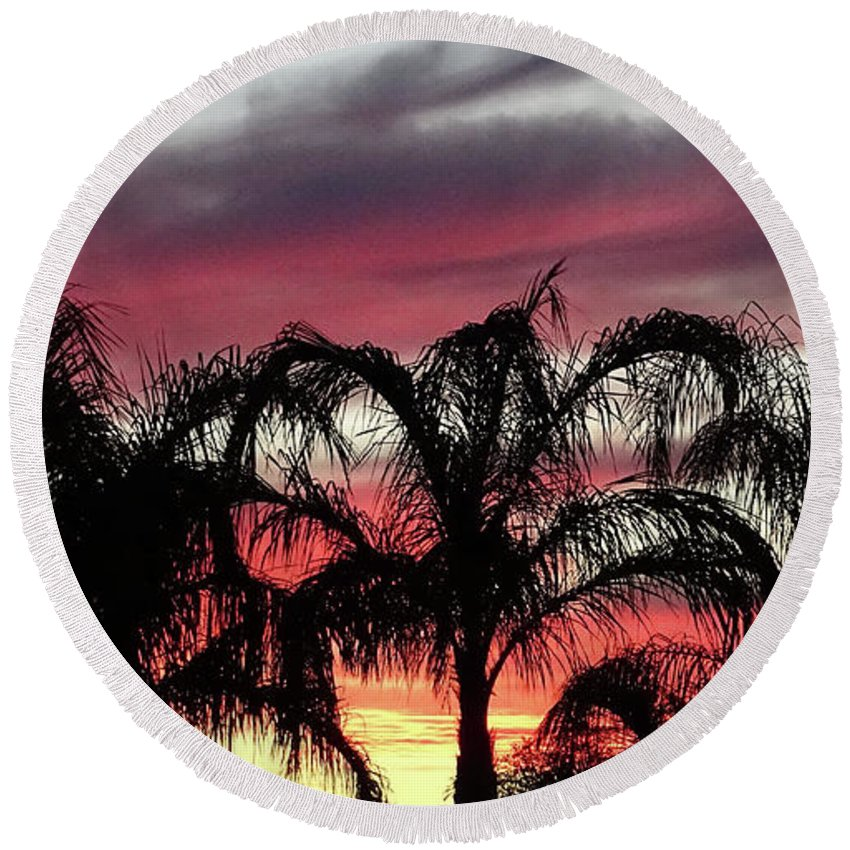 Arizona Round Beach Towel featuring the photograph Southwest Sunset by Jamie Ramirez
