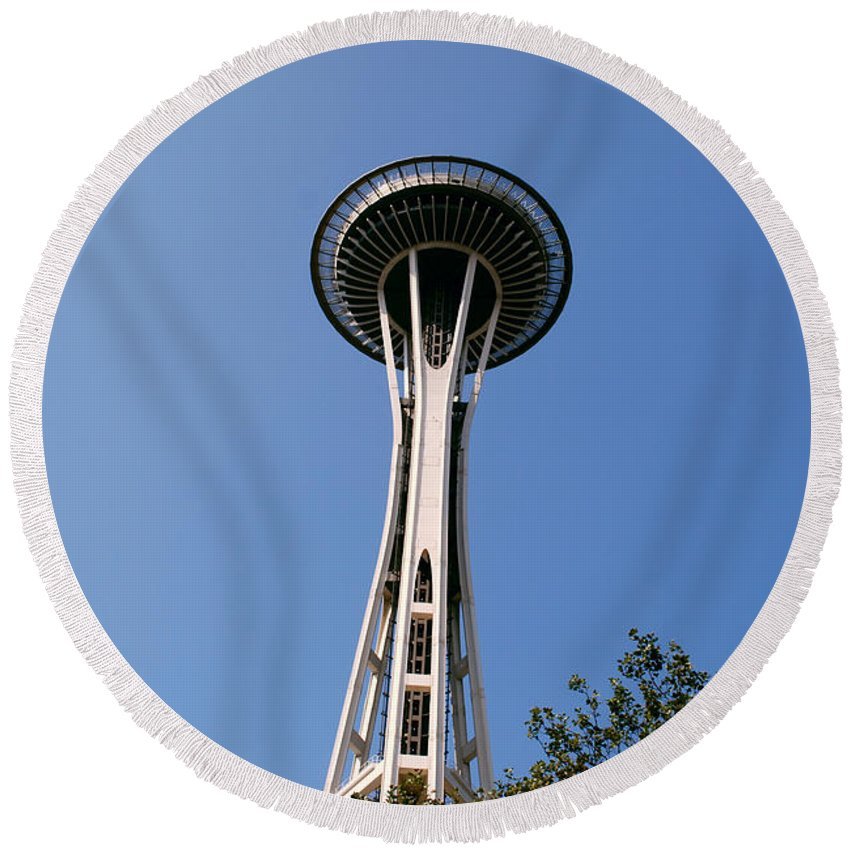 Space Needle Round Beach Towel featuring the photograph Space Needle by Gary Wonning