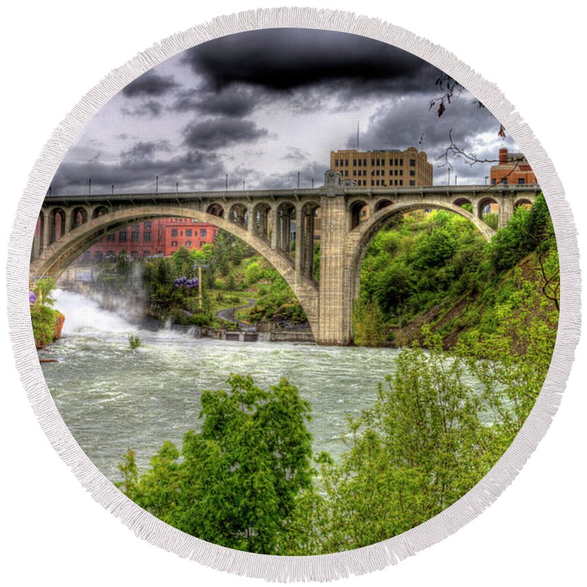 Round Beach Towel featuring the photograph Spokane Falls And Monroe Bridge by Lee Santa