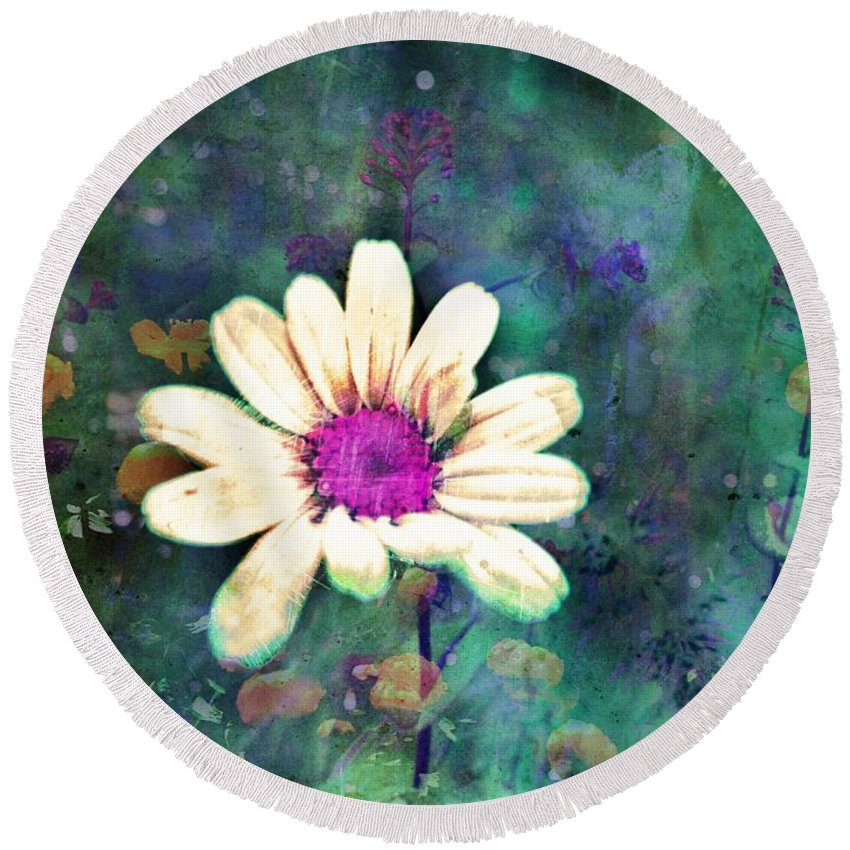 Wall Art Round Beach Towel featuring the photograph Spring Daydreams by Tara Turner