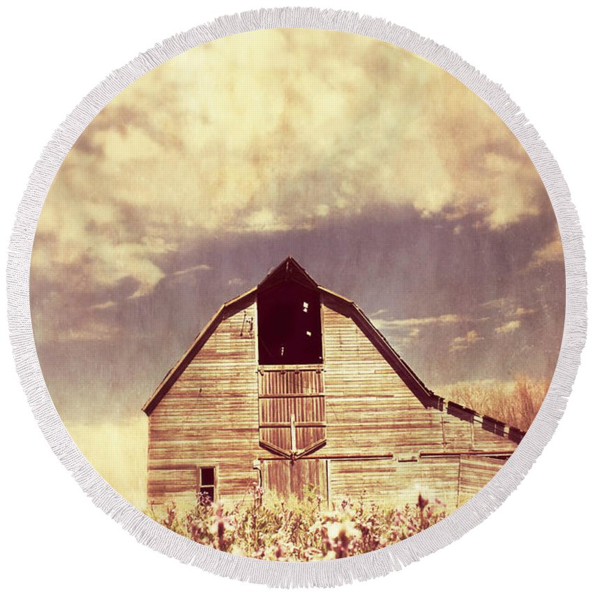Barn Round Beach Towel featuring the photograph Spring In Kansas by Julie Hamilton