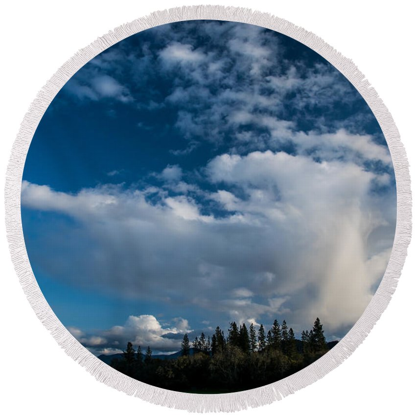 Spring Round Beach Towel featuring the photograph Spring Skies Of The Rogue Valley by Mick Anderson