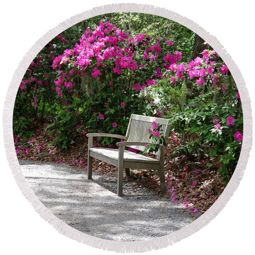 Bench In The Park Round Beach Towel featuring the photograph Springtime In The Park by Susanne Van Hulst