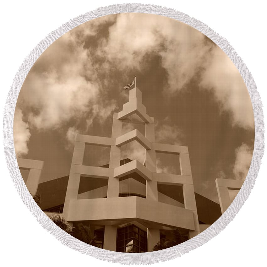 Architecture Round Beach Towel featuring the photograph Squares In The Sky by Rob Hans