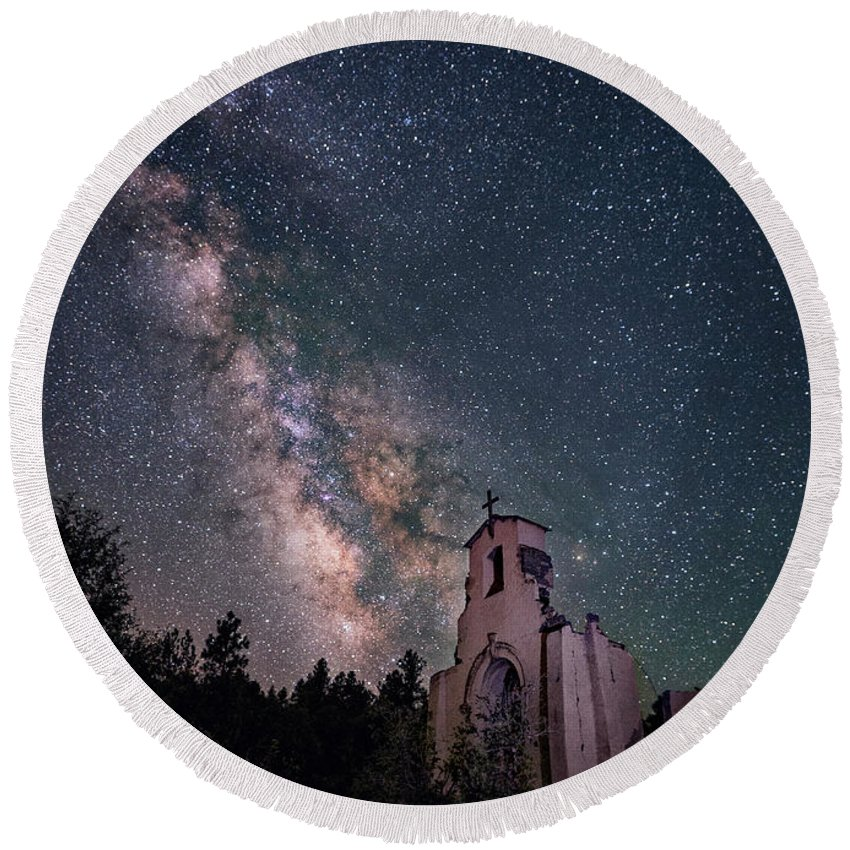 Church Round Beach Towel featuring the photograph St. Aloysius Church Ruin Under The Stars by David Soldano