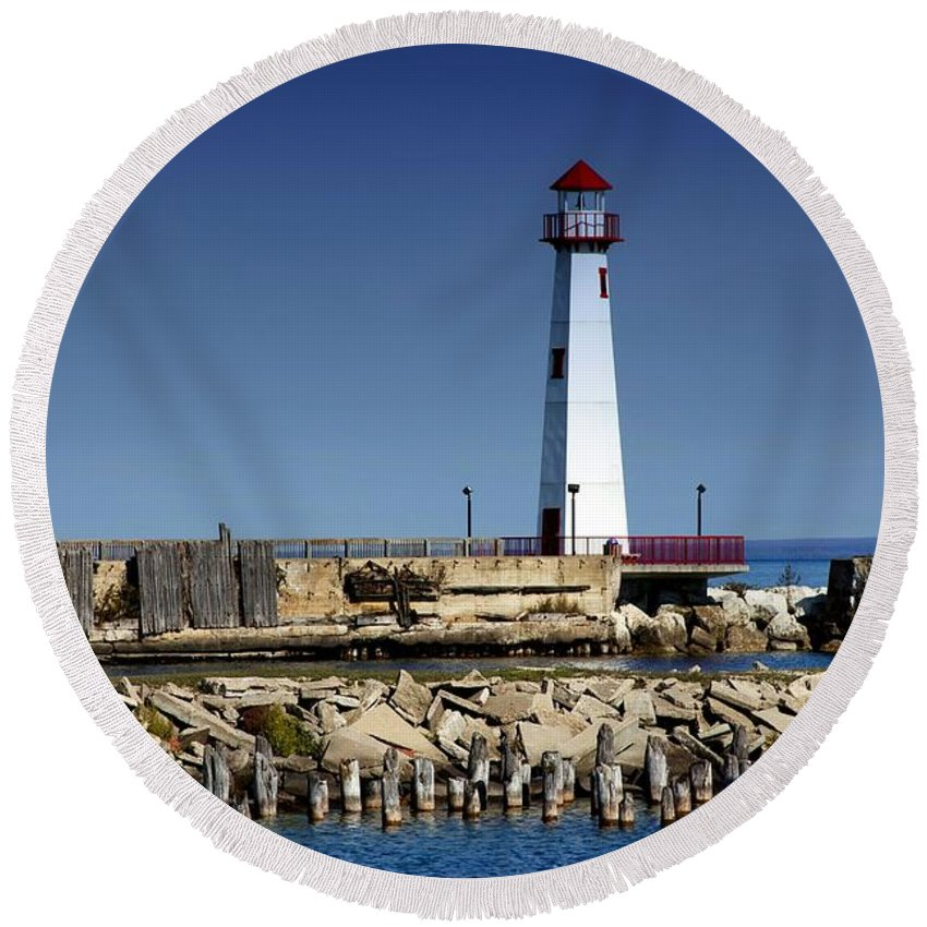 Saint Ignace Michigan Round Beach Towel featuring the photograph St. Ignace Lighthouse by Pat Cook