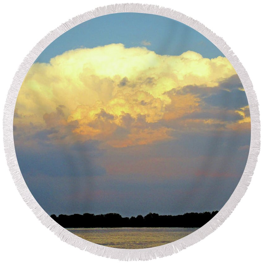 Montreal Round Beach Towel featuring the photograph St Lawrence Sunset 4 by Randall Weidner