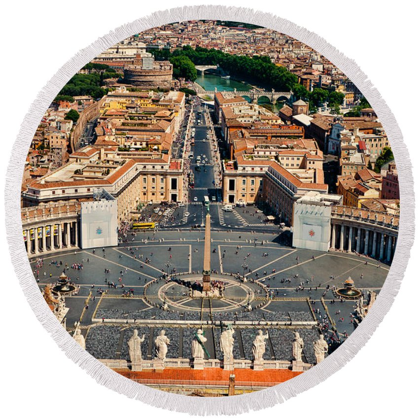 Vatican Round Beach Towel featuring the photograph St Peter's Square by Jon Berghoff