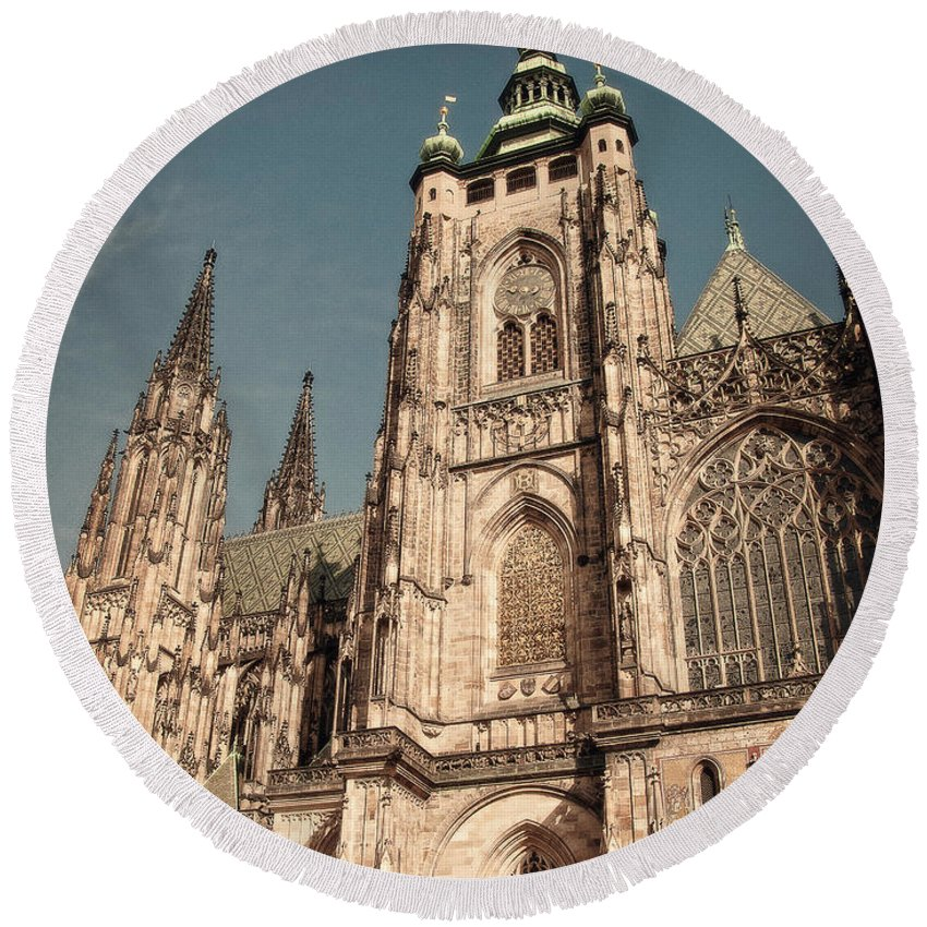 Prague Round Beach Towel featuring the photograph St Vitus Cathedral Prague by Ivy Ho