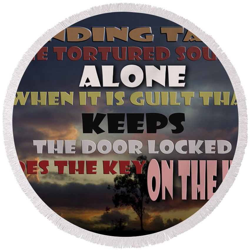 Vicki Ferrari Photography Round Beach Towel featuring the photograph Standing Tall Alone by Vicki Ferrari Photography