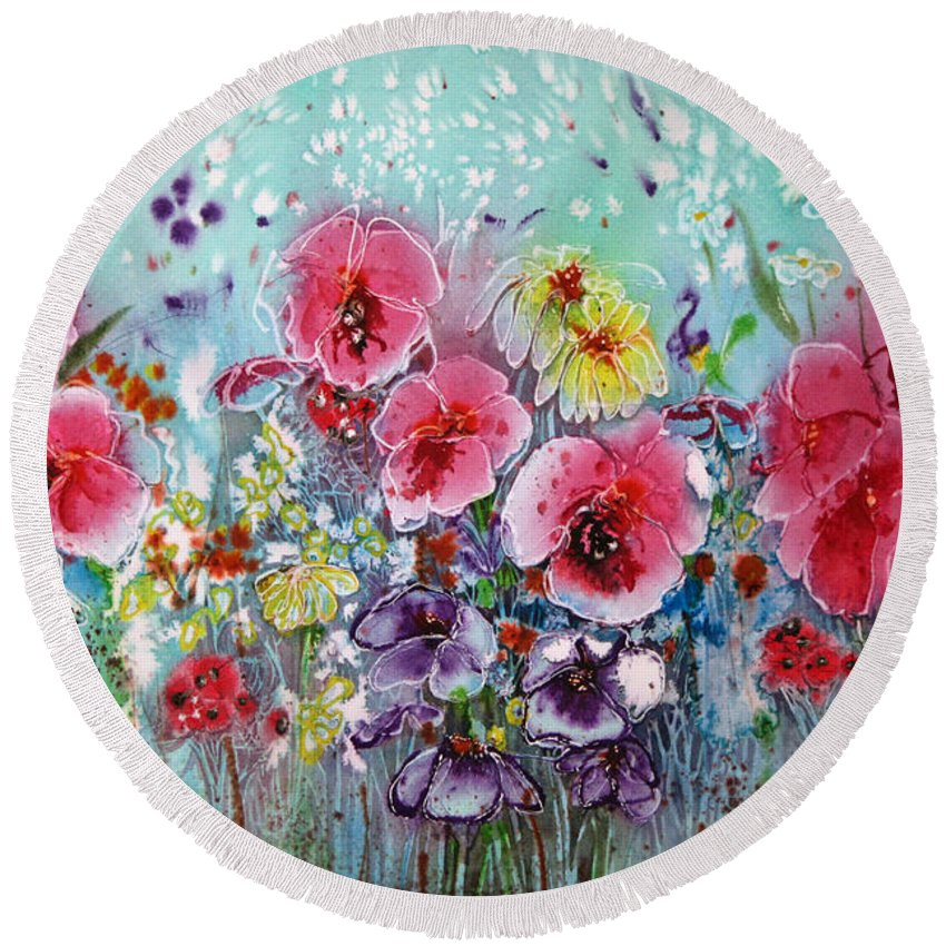Floral Round Beach Towel featuring the painting Standing Tall by Shirley Sykes Bracken