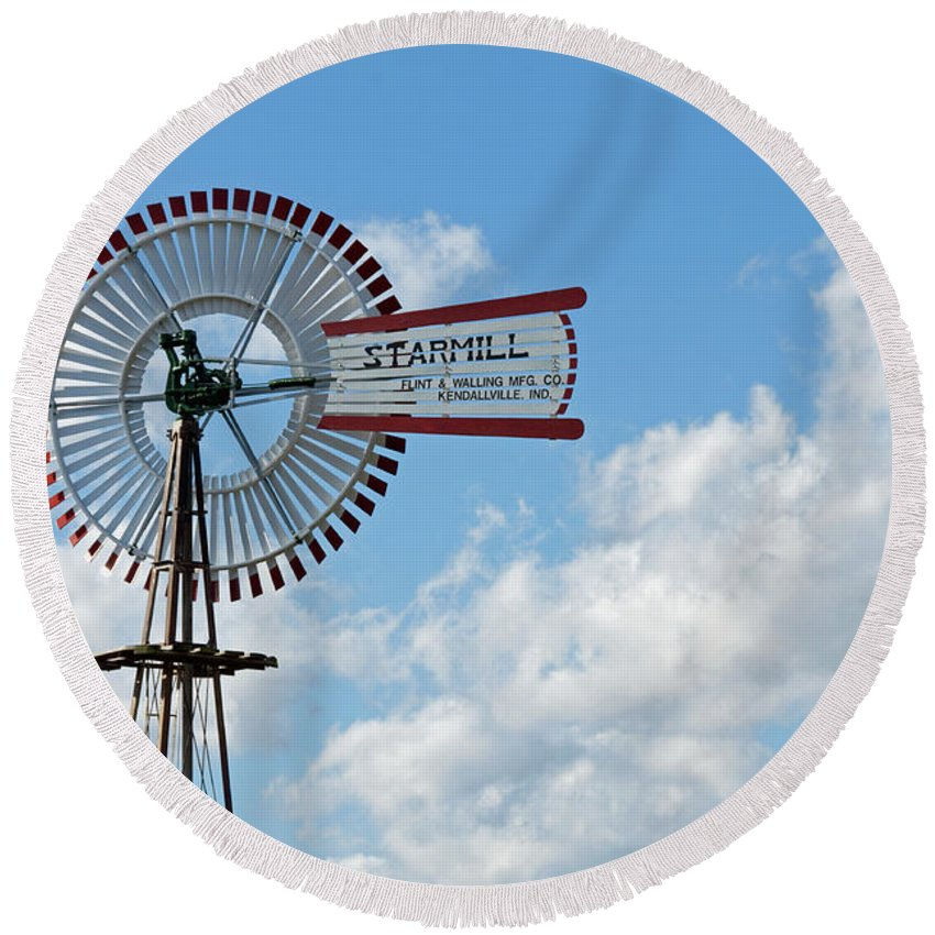 Windmill Round Beach Towel featuring the photograph Starmill by David Arment