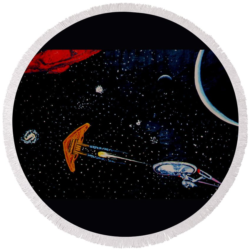 Startrel.scoemce Foxopm.s[ace.[;amets.stars Round Beach Towel featuring the painting Startrek by Stan Hamilton