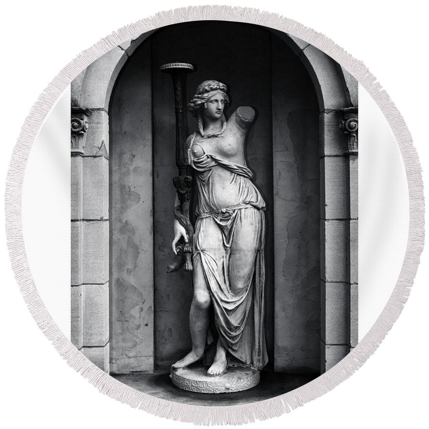 Black And White Round Beach Towel featuring the photograph Statue Under Cover by Scott Wyatt