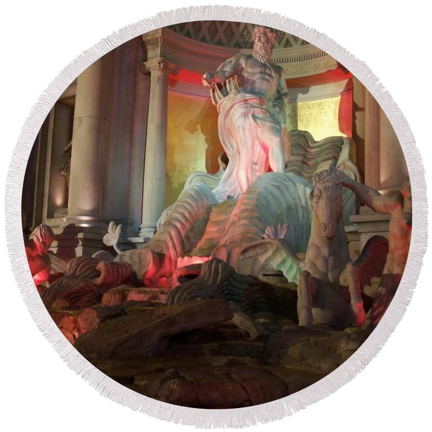 Ceasars Palace Round Beach Towel featuring the photograph Statues At Ceasars Palace by Anita Burgermeister
