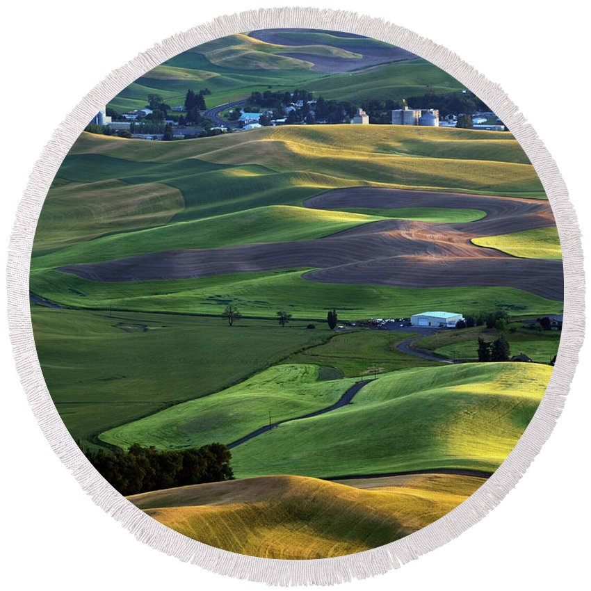 Palouse Round Beach Towel featuring the photograph Steptoe Shadows by Mike Dawson