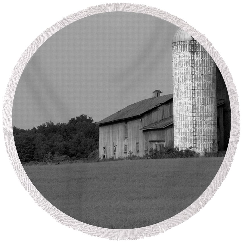 Barn Round Beach Towel featuring the photograph Still Here by Rhonda Barrett