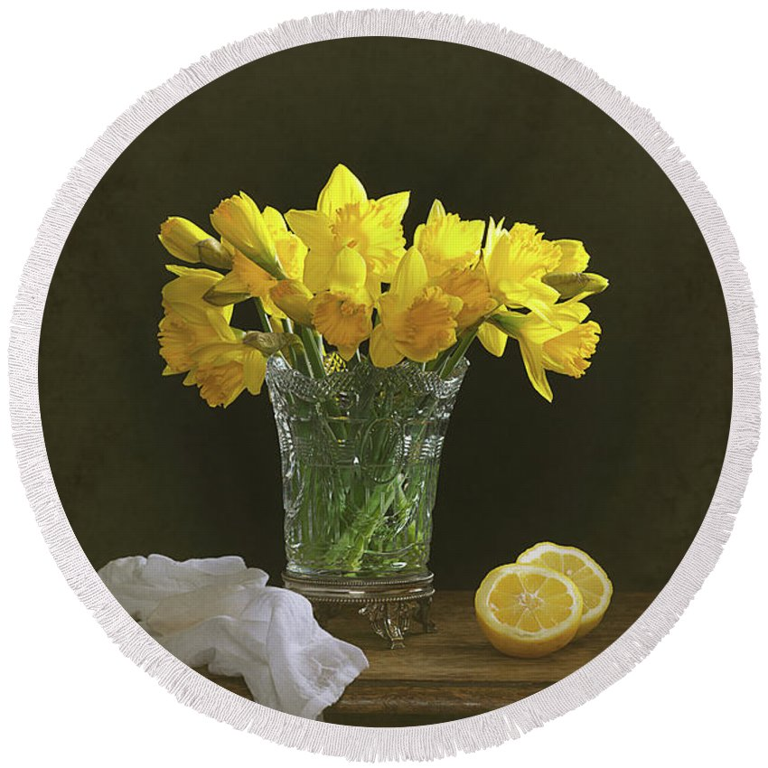 Bunch Round Beach Towel featuring the photograph Still Life Daffodils by Amanda Elwell