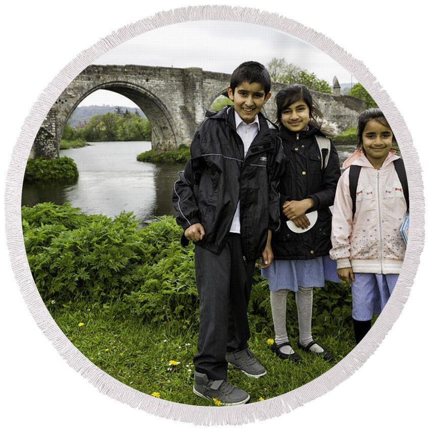 School Round Beach Towel featuring the photograph Stirling School Children By The Medieval Bridge by Fran Gallogly