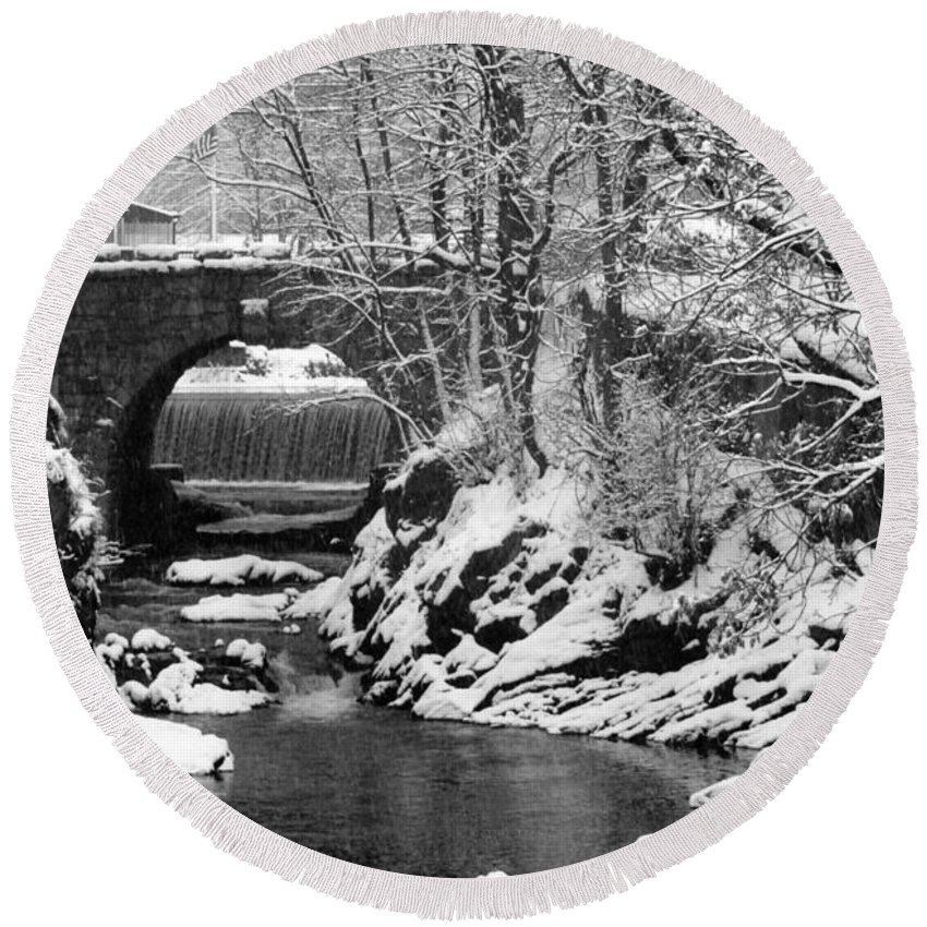 Water Round Beach Towel featuring the photograph Stone-bridge by John Scates