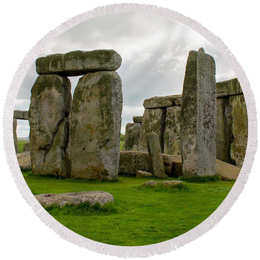Stonehenge Round Beach Towel featuring the photograph Stonehenge England by Shanna Hyatt