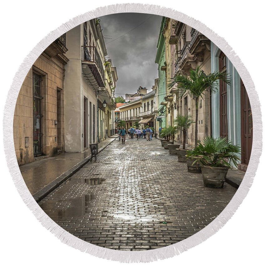 Havana Round Beach Towel featuring the photograph Street by Bill Howard