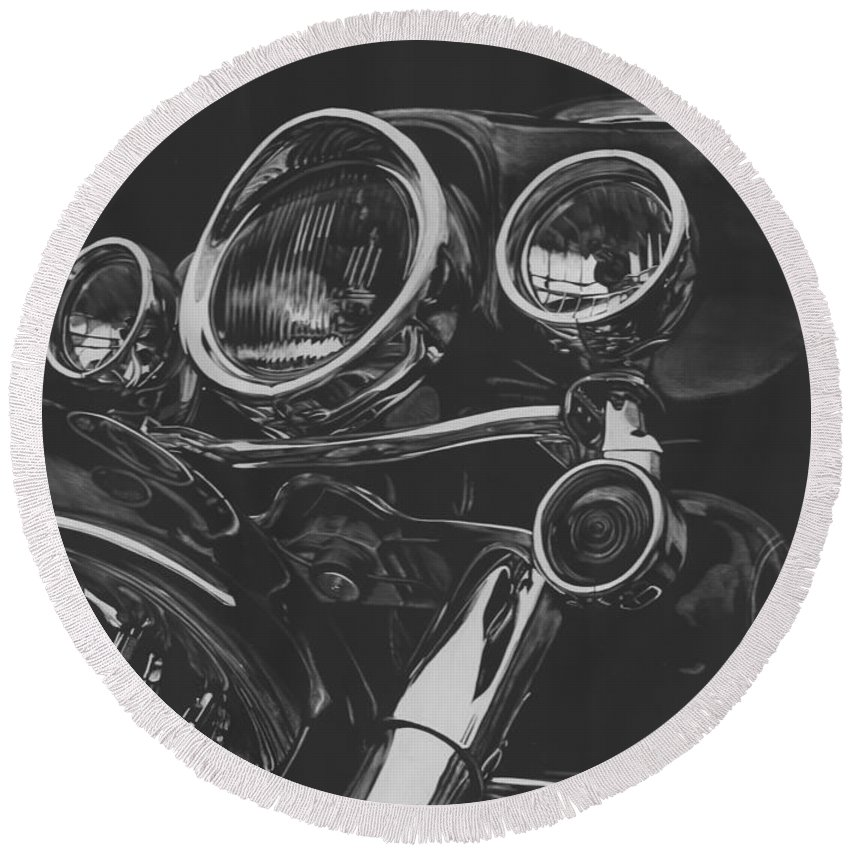 Harley Round Beach Towel featuring the drawing Street Glide On Display by Matthew Jarrett