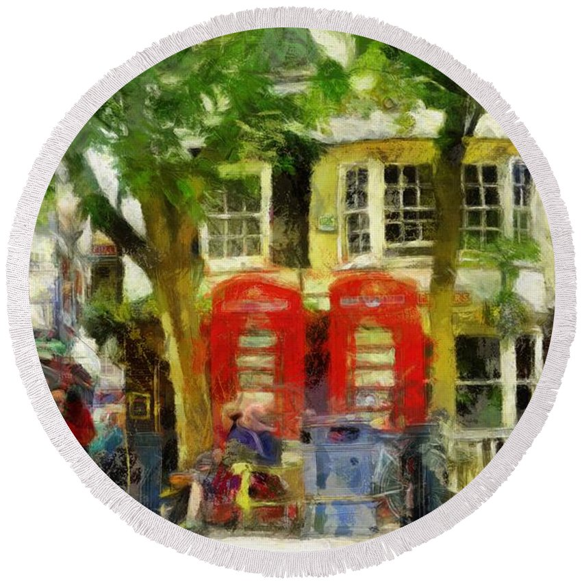 Street Scene Round Beach Towel featuring the digital art Street Scenic by Leigh Kemp