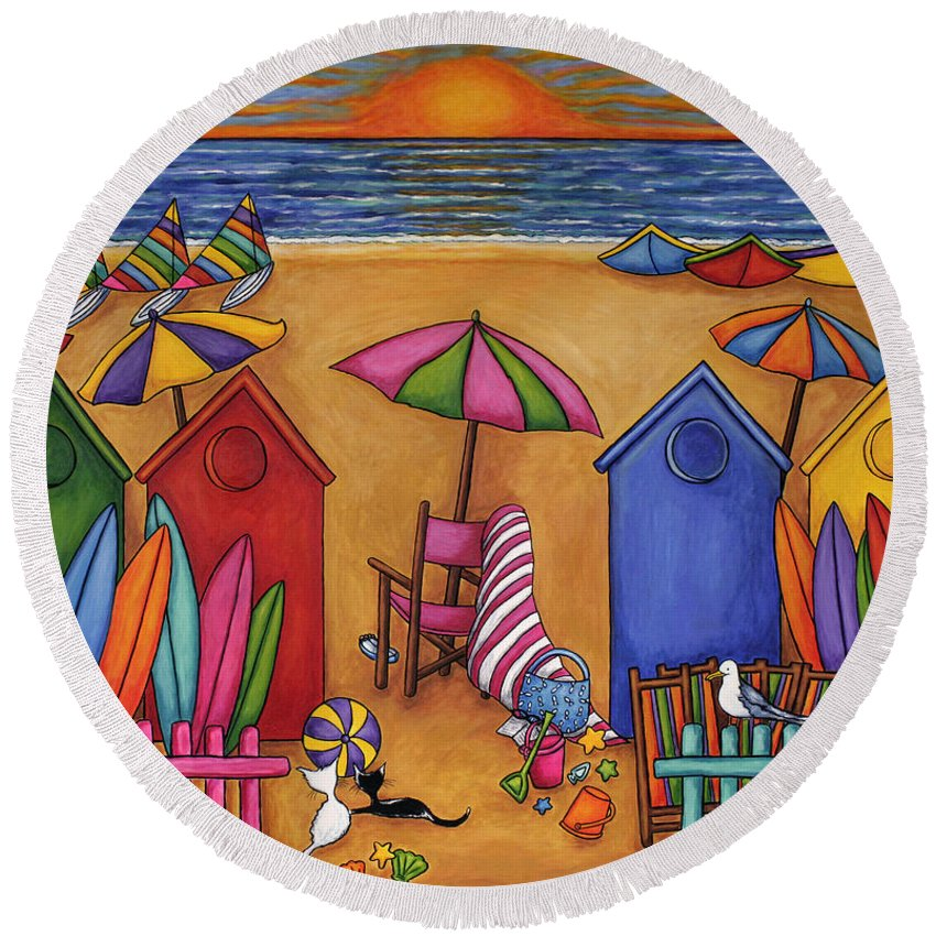 Summer Round Beach Towel featuring the painting Summer Delight by Lisa Lorenz
