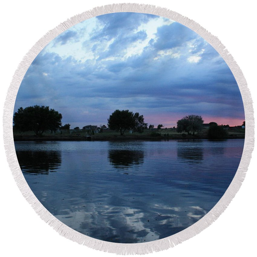 Blue Round Beach Towel featuring the photograph Summer Sunset On Yakima River 5 by Carol Groenen