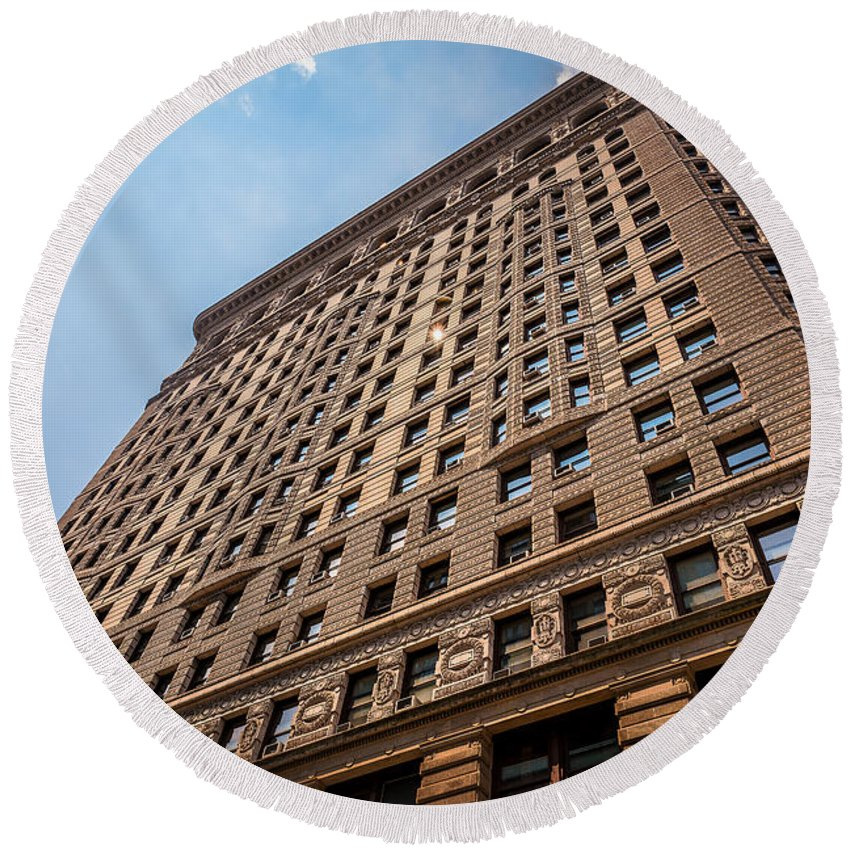 Flatiron Building Round Beach Towel featuring the photograph Sun Reflection On The Flatiron Building by Alissa Beth Photography