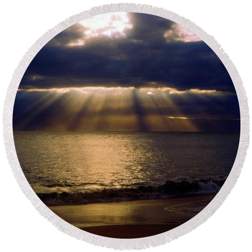 Sunbeams Radiating Through Clouds Before Sunset Round Beach Towel featuring the photograph Sunbeams Radiating Through Clouds Before Sunset by Sally Weigand