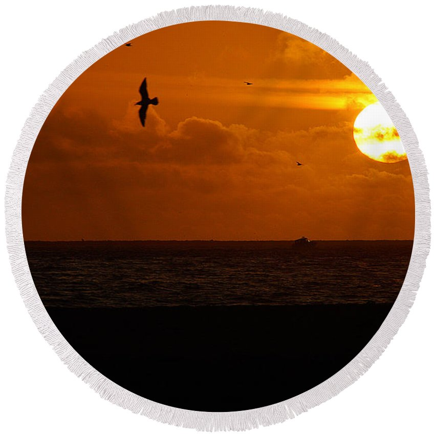 Clay Round Beach Towel featuring the photograph Sundown Flight by Clayton Bruster