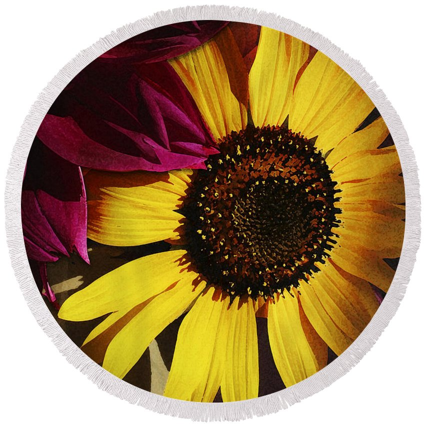 Flower Round Beach Towel featuring the photograph Sunflower With Dahlia by Ed A Gage