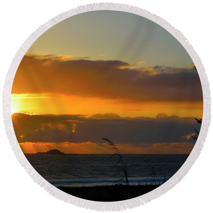 Clouds Round Beach Towel featuring the photograph Sunrays And Clouds by Renita Confer